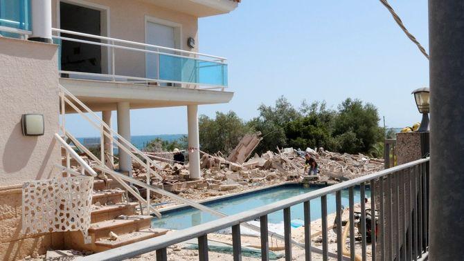La casa esfondrada a Alcanar, en runes després de l'explosió (ACN)