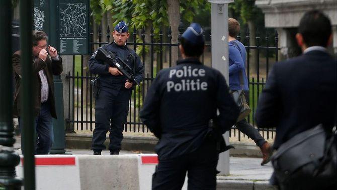 La policia belga deté tres persones a Brussel·les sospitoses de planejar un atac terrorista durant un partit de l'Eurocopa