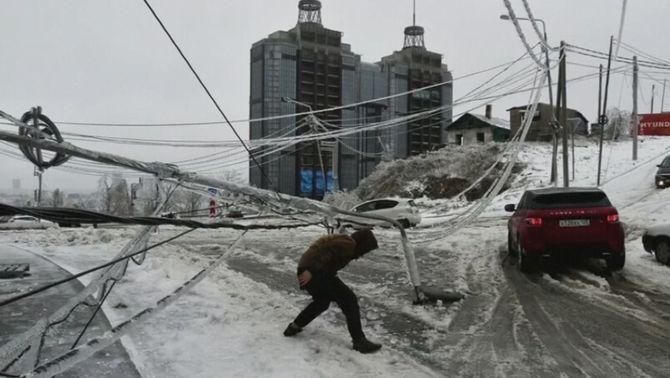 Estat d'emergència a Vladivostok per un episodi de pluja gelant