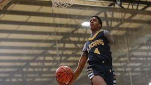 El somni de Hansel Emmanuel: jugar a l'NBA amb només un braç