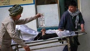 Un atemptat prop d'una escola femenina a Kabul fa almenys 40 morts