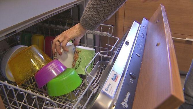 Amb la nova factura elèctrica, molts consumidors estan fent anar el rentaplats a partir de la mitjanit