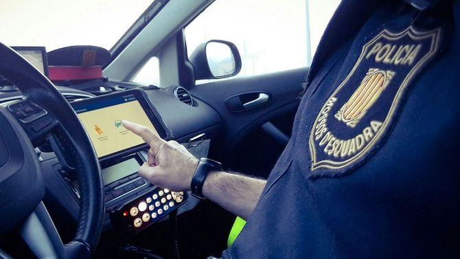 Dos accidents mortals a Girona: un home atropellat i un conductor ha sortit de la via