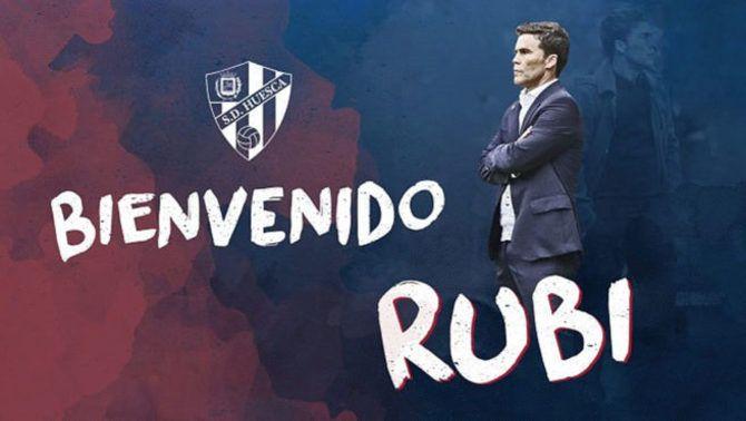L'Osca dona la benvinguda a Rubi (Foto: @SDHuesca)