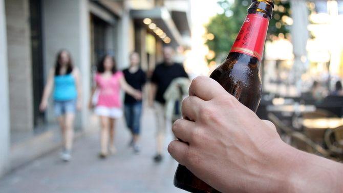 La nova llei de consum d'alcohol podria multar els pares dels menors que beguin