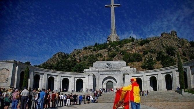 El Congrés aprova exhumar Franco del Valle de los Caídos amb l'abstenció de PP i Cs
