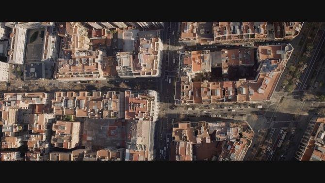 Confluència del carrer Santaló amb Travessera de Gràcia de Barcelona