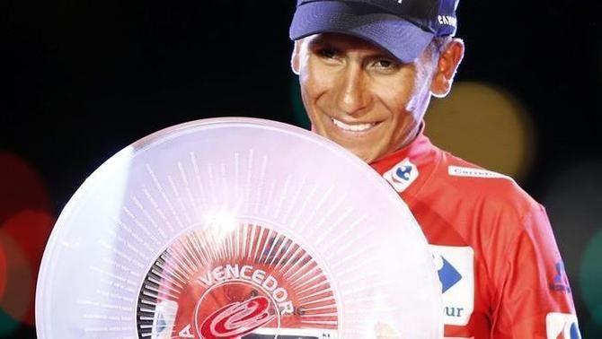 Nairo Quintana guanya la Vuelta després de superar sense cap entrebanc el passeig de l'última etapa