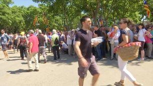Milers de persones es concentren pel referèndum a Montjuïc