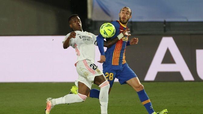 El Barça executa l'opció per renovar Mingueza
