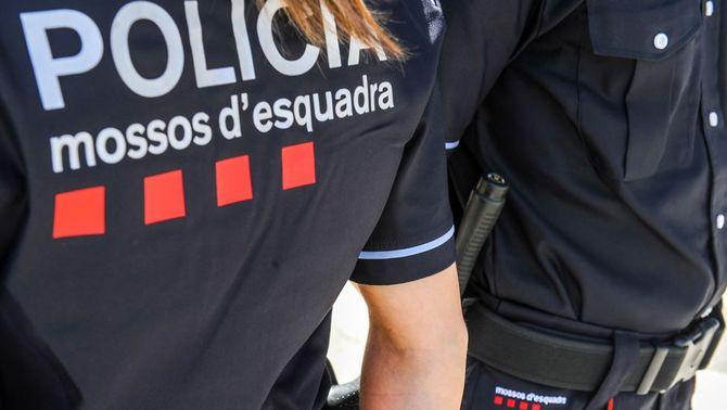 Detingut per abusar sexualment de menors de 13 i 14 anys a Barcelona