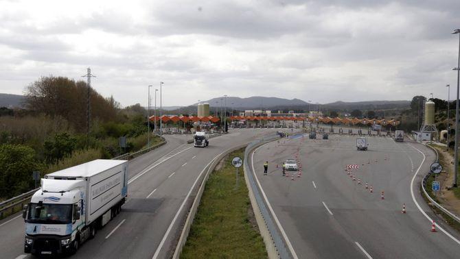 Ábalos descarta mesures per compensar les concessionàries d'autopistes