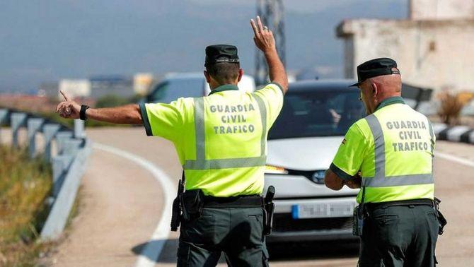 Vacunació de policies nacionals i guàrdies civils: el govern espanyol contradiu Salut