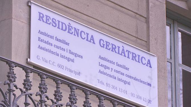 Suspès el desnonament en plena pandèmia d'una residència de l'Eixample de Barcelona