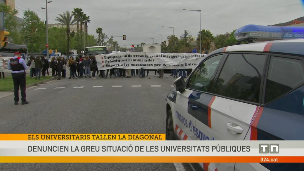 La Diagonal, col·lapsada per les protestes dels estudiants universitaris