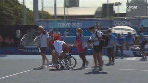 Paula Badosa es retira en cadira de rodes dels Jocs Olímpics