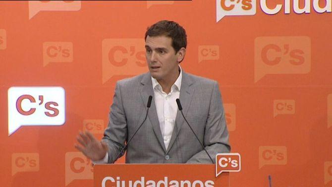 """Rivera: """"És necessari sí o sí que PP, PSOE i C's s'asseguin a parlar sense condicions de cadires i amb voluntat de pactes"""""""