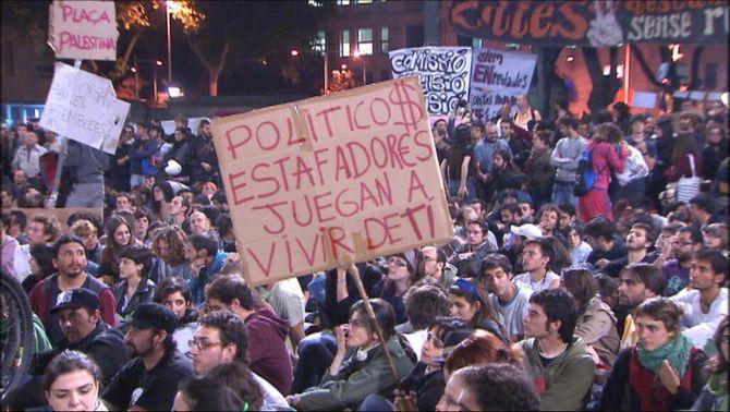 """10 anys dels """"indignats"""": el 15M deixa capital polític als barris i als moviments socials"""