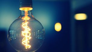 Les elèctriques es llancen a una guerra d'ofertes perquè canviïs de companyia