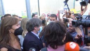 Carles Puigdemont surt de la presó de Sàsser després que el jutge ha decretat la seva llibertat sense mesures cautelars