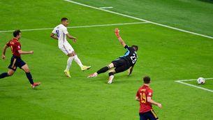La UEFA vol canviar la norma del fora de joc