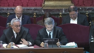 melero-shows-violent-protests-in-spain-before-the-supreme-court-to-contrast-them-with-october-1