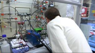 Projecte de  fulla artificial de l'Institut Català d'Investigació Química: aconseguir combustibles nets a partir d'aigua i CO2
