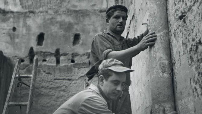 Extracció de les últimes pintures de Sixena, 1960