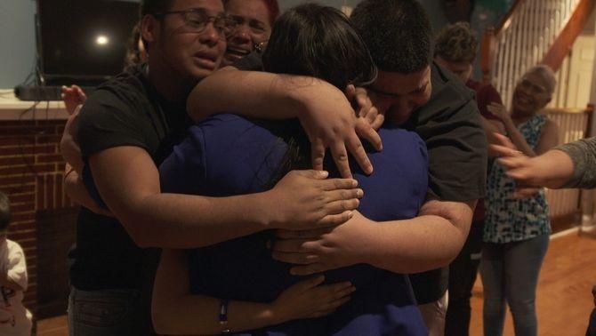 Keldy González Brebe es retroba amb la seva família als Estats Units