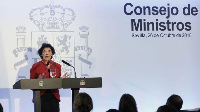 El Consell de Ministres d'aquest divendres, que ha decidit recórrer la reprovació del rei pel Parlament, s'ha celebrat, excepcionalment, a…