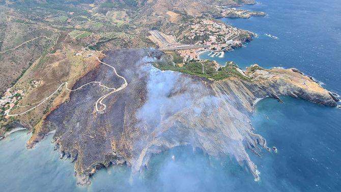 Vista aèria de la zona afectada per l'incendi