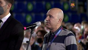 Un soci del Barça revoluciona l'assemblea demanant l'expulsió de Bartomeu