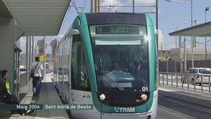 Colau fitxa Macias per tramvia