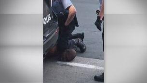 Mor un ciutadà afroamericà als Estats Units mentre estava sota custòdia policial