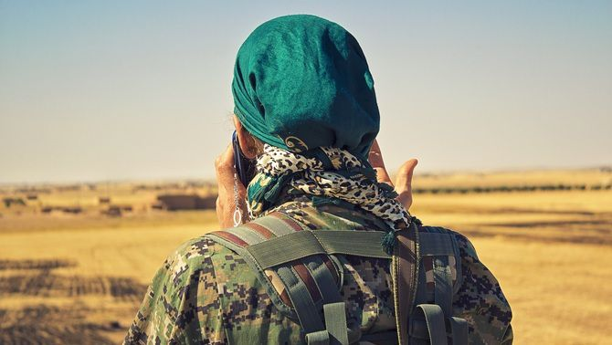 La lluita a Síria d'un exèrcit feminista contra Daesh