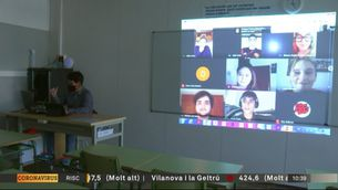 272 mentors per a la digitalització d'escoles i instituts