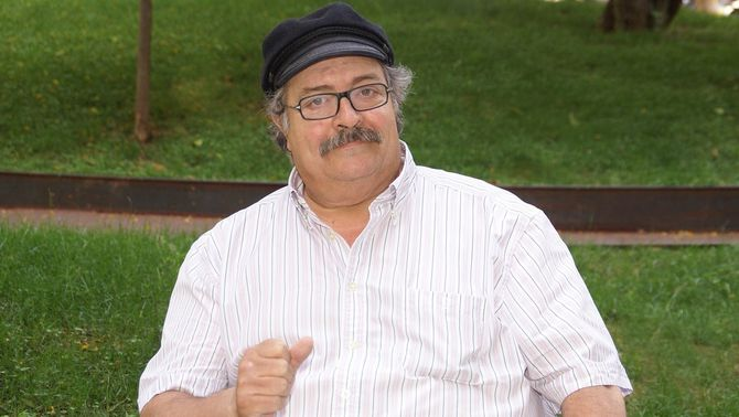 Mor el cantautor i gastrònom Pere Tapias als 70 anys