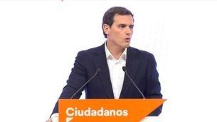 Rivera plega com a líder de Ciutadans, renuncia a l'escó i deixa la política per la patacada a les eleccions