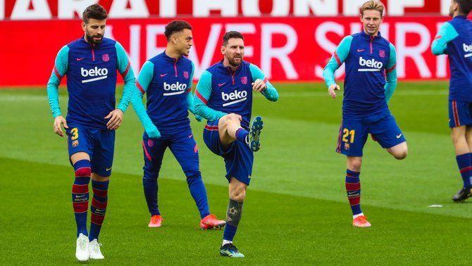 El Barça prepara el partit davant l'Osasuna sense Piqué ni Araujo