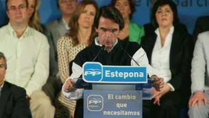 Aznar acusa Zapatero d'haver venut bombes de dispersió a Líbia