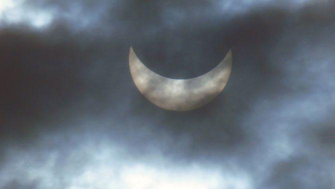 El temps ha complicat l'observació de l'eclipsi