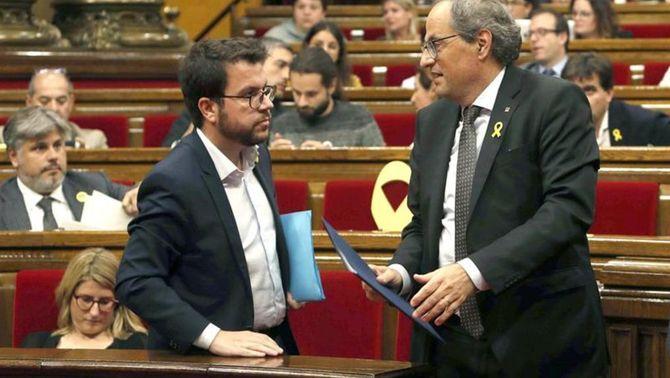 El vicepresident, Pere Aragonès, i el president, Quim Torra, en acabar el ple del Parlament (EFE)