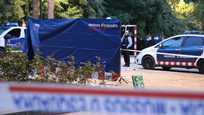 Els Mossos investiguen un homicidi al Forat de la Vergonya, a Barcelona