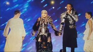 Eurovisió: Holanda guanya, Miki queda 22è, Madonna desafina i el boicot es fa poc visible