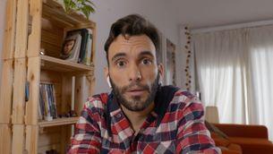"""L'actor Sergi Cervera és en Muç, un dels protagonistes de """"Jo també em quedo a casa"""""""