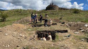 Els sondejos a l'entorn del castell de Llívia treuen a la llum restes d'una ocupació d'aquest turó a l'època visigòtica