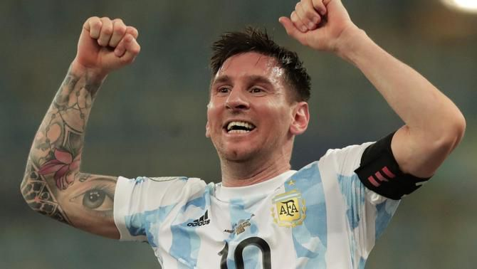 """Una foto de Messi amb la Copa Amèrica bat el rècord de """"likes"""" a Instagram"""