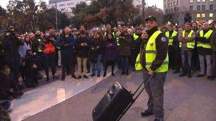 El portaveu d'Élite Taxi dirigint-se als taxistes