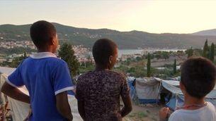 Samos: viure entre serps i rates mentre s'espera l'asil