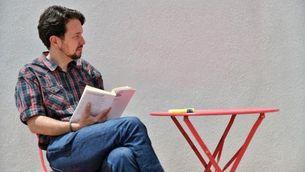 Pablo Iglesias es talla la cua: de la possible lectura política als mems a la xarxa